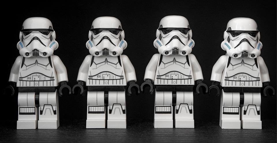 armée de stormtrooper en Lego d'après Star Wars